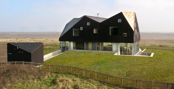 floating-dune-house-in-england-2