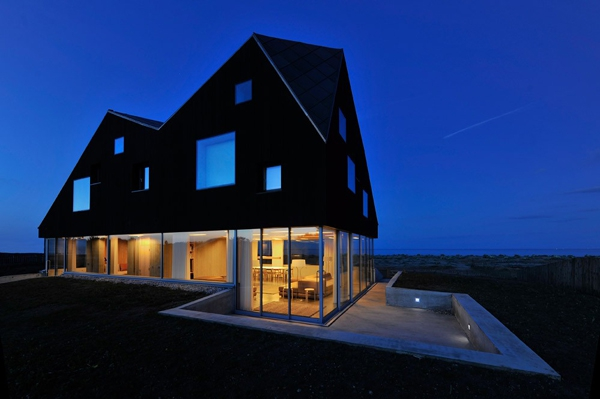 floating-dune-house-in-england-5