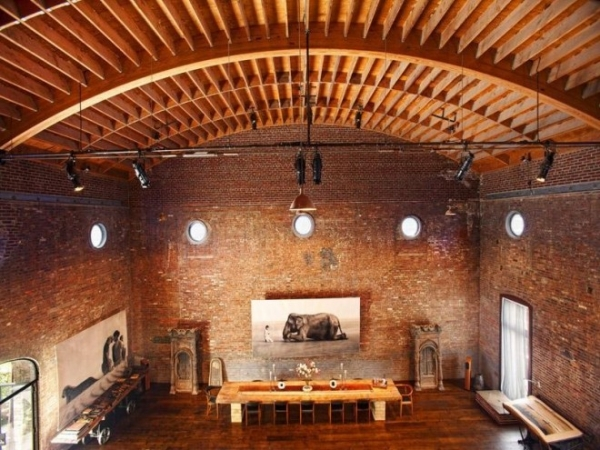former-concert-hall-now-extravagant-loft-1