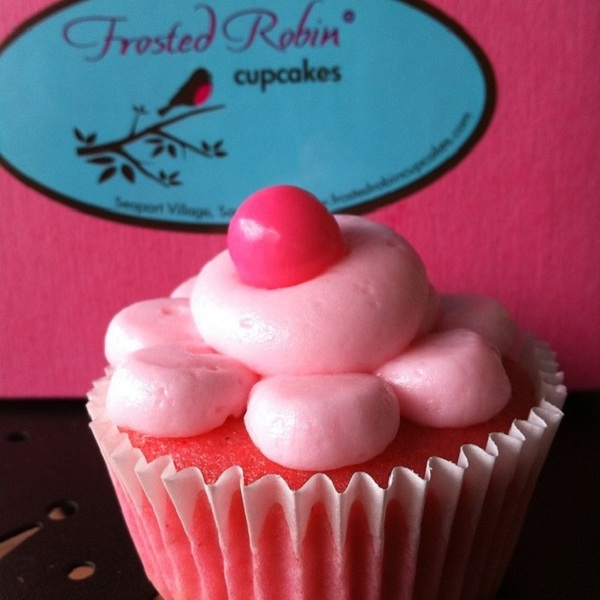 frosted-robin-cupcakes-cafe-11