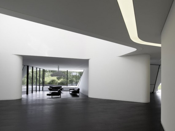 futuristic-house-design-in-germany-5