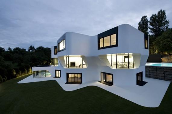 futuristic-house-design-in-germany-6