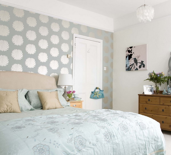 give-your-bedroom-a-romantic-makeover-5