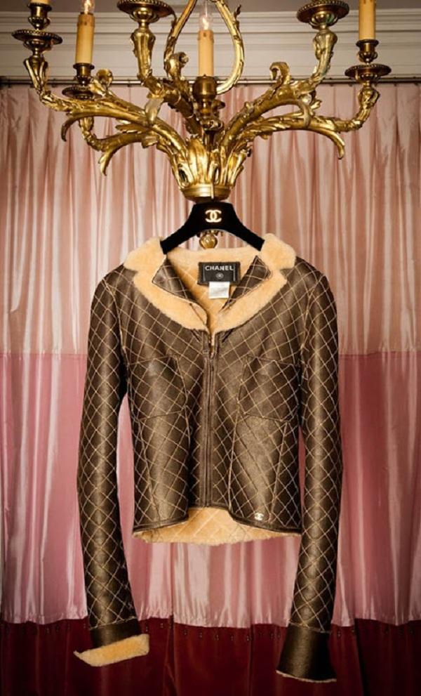 glamorous-gold-essentials-7