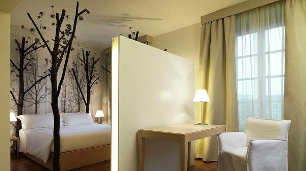 glamorous-maison-moschino-hotel-1