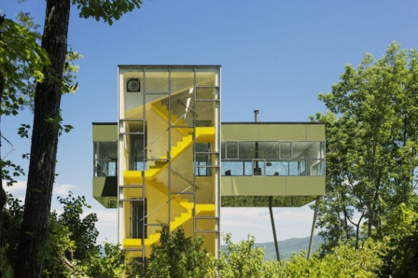 Glass tower house in the States  (7)
