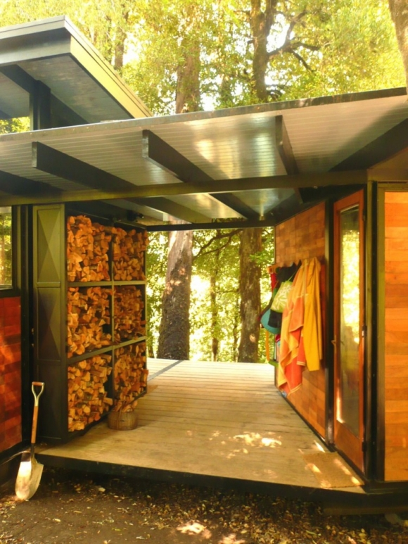 gorgeous-and-eco-friendly-a-recycled-materials-home-3
