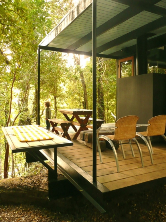 gorgeous-and-eco-friendly-a-recycled-materials-home-4