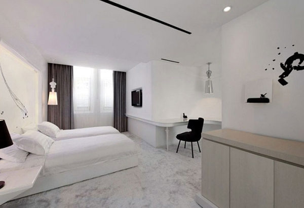 gorgeous-black-and-white-boutique-hotel-in-singapore-4