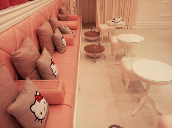 hello-kitty-interior-design-6