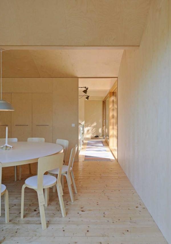 Scandinavian family vacation house (6)