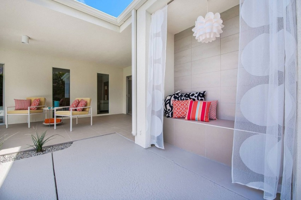 invitations of a stylish white decor (16)