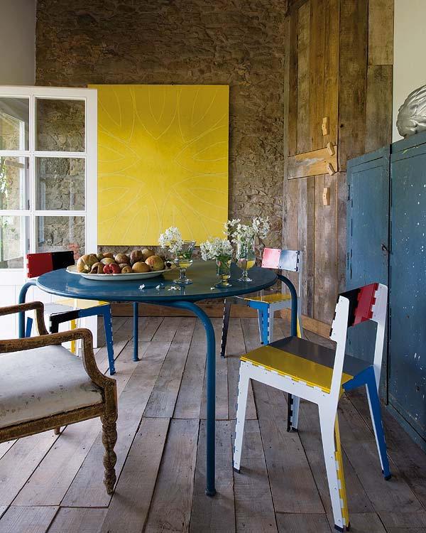 impressive-and-adorable-restored-farmhouse-3