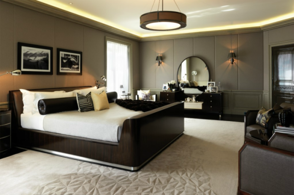 bedroom-with-sleigh-bed-700x464.png