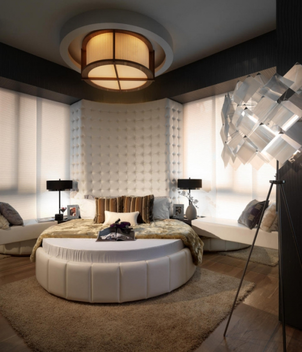 modern-bedroom-with-round-bed-700x817.jpg