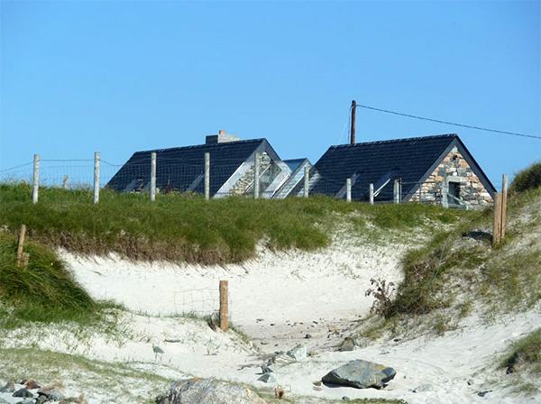 modern stone cottage (14).jpg