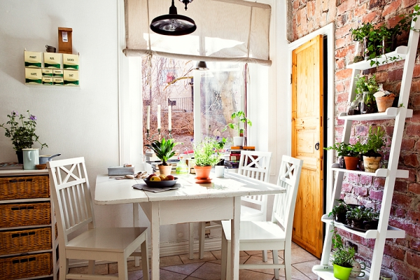 incredibly-charming-and-cozy-home-2