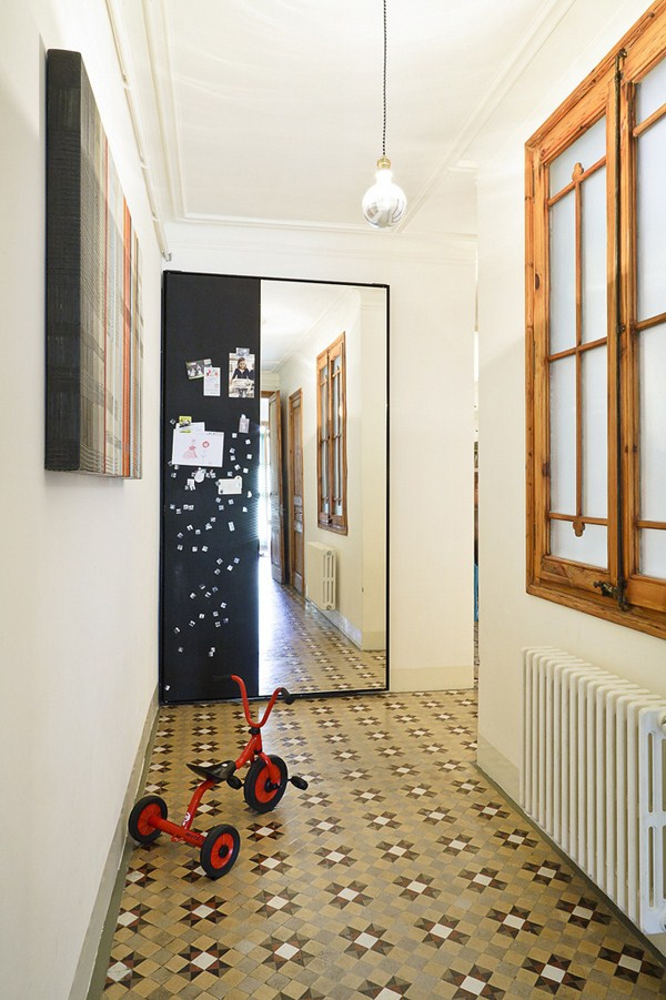 Interior modernization by the Bachs  (4)