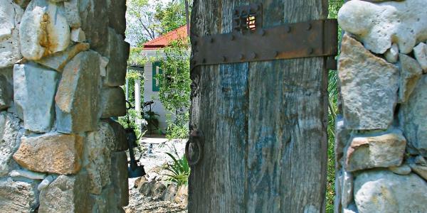 island-getaways-caribbean-villa-dreams-5