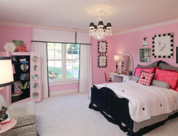 Beautiful design idea for little girl\'s room in pink and black