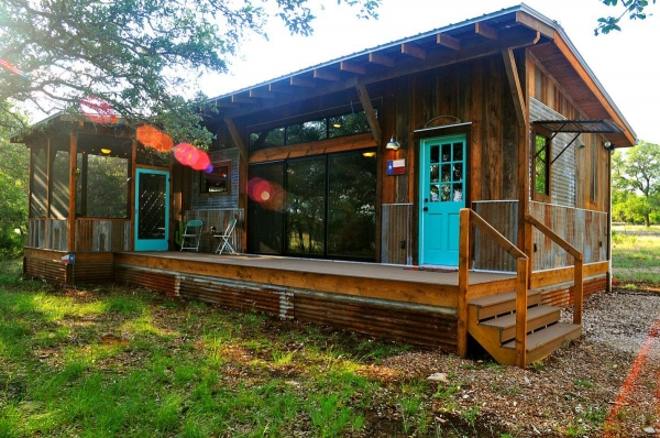 la-arboleda-a-beautifully-reclaimed-wood-cabin-2