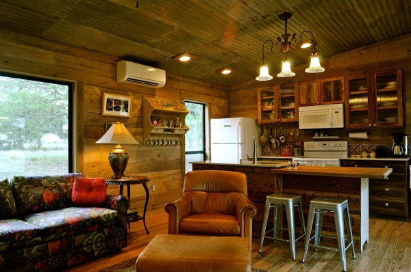 la-arboleda-a-beautifully-reclaimed-wood-cabin-5