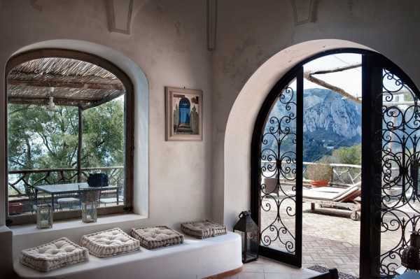 lay-back-and-relax-in-this-mediterranean-villa-11