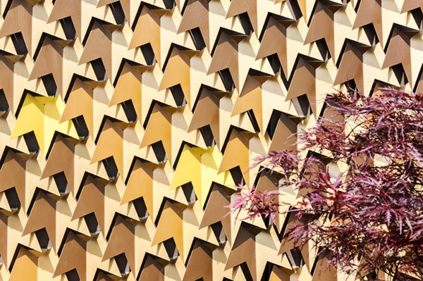 leaf-inspired-contemporary-facade-3