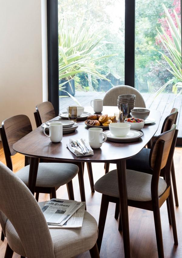 linea-stylish-dining-sets-2