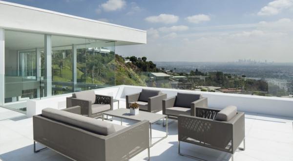 Living it up with luxury minimalist design (17)