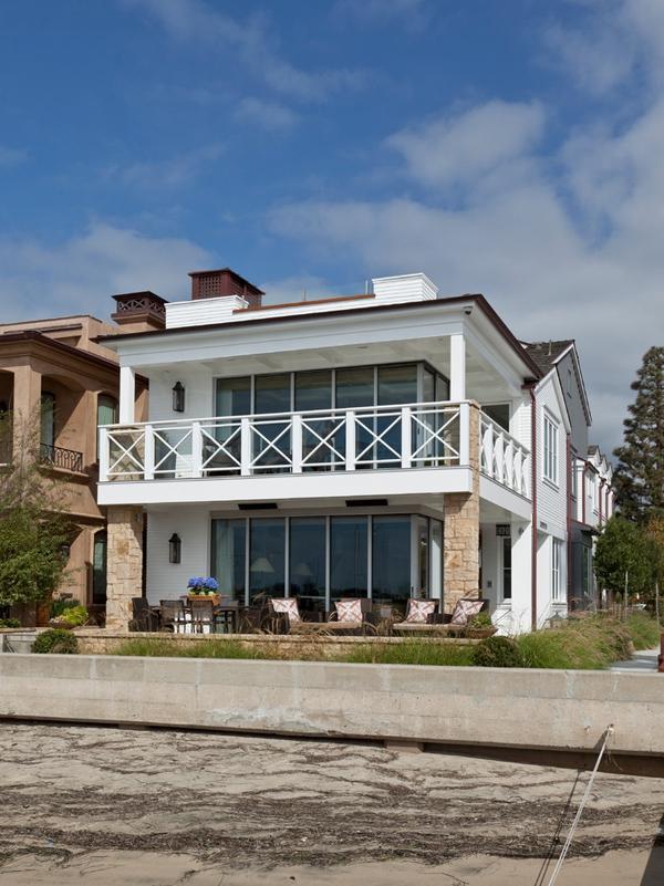 Lovely bayside house in California (11)