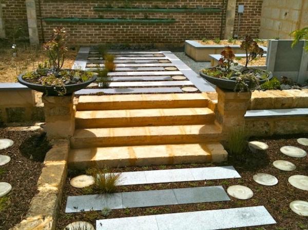 lovely-garden-pathway-ideas-2