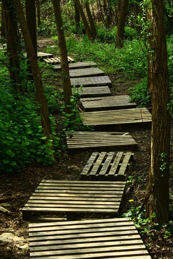 lovely-garden-pathway-ideas-3_0
