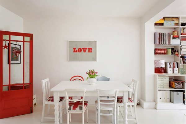 lovely-red-and-white-in-this-london-house-5