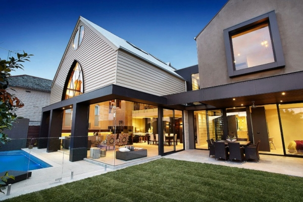 luxurious-and-magnificent-a-church-conversion-2