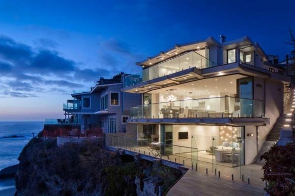 Luxurious clifftop house in Laguna Beach (1)