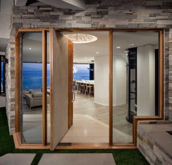 Luxurious clifftop house in Laguna Beach (2)