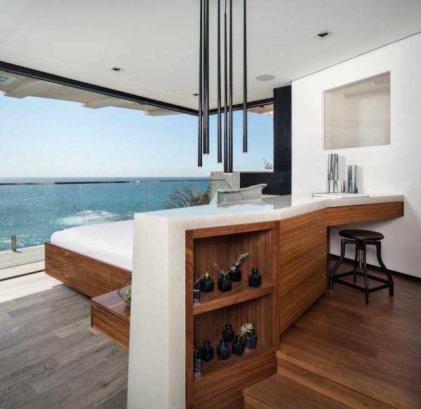 Luxurious clifftop house in Laguna Beach (24)