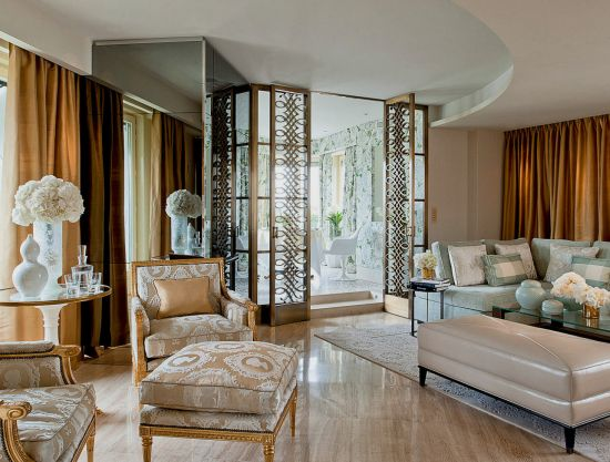 Luxurious Penthouse Dramatic Interior This Paris Penthouse Belongs To The Four Seasons George V Paris It