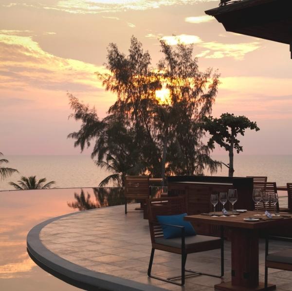 luxury-island-resort-in-phuket-8
