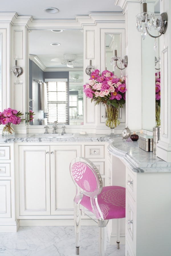 majestic-and-luxurious-an-awesome-bathroom-1