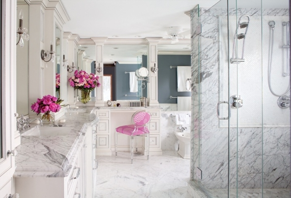 majestic-and-luxurious-an-awesome-bathroom-3