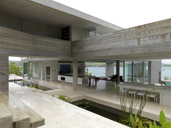 minimalist-house-stuns-on-the-coast-of-queensland-1