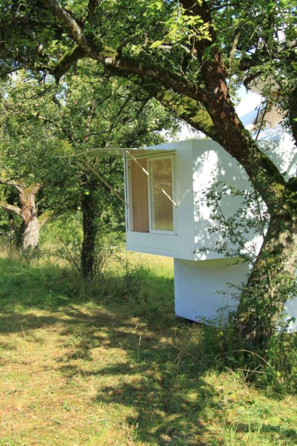 Minimalist micro house perfect for personal time (5)