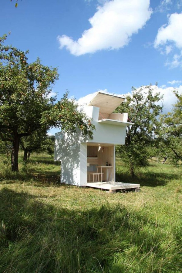 Minimalist micro house perfect for personal time (6)