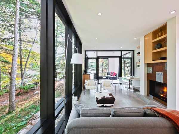 Modern and quiet vacation retreat tucked away in Quebec (6)