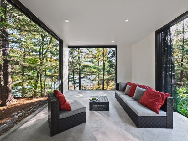Modern and quiet vacation retreat tucked away in Quebec (7)