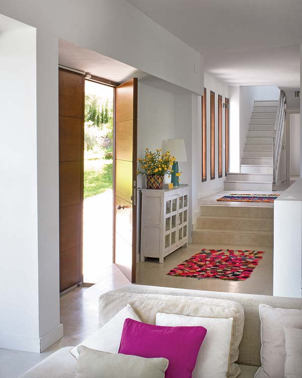 Wood beams and jewel tones a rustic house adorable home - Modern And Unfussy A Summer Home In Spain Adorable Home