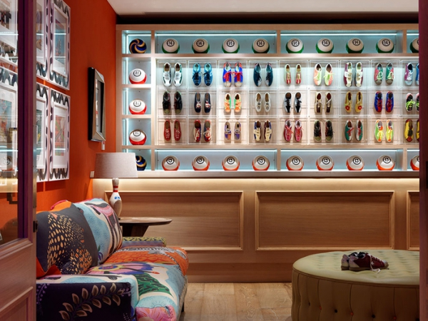 amazing hotel interiors in London (15).jpg