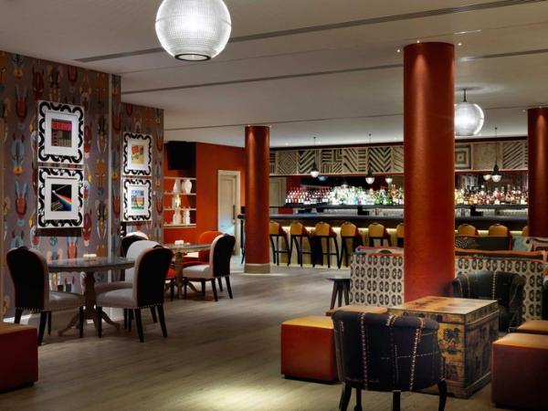 amazing hotel interiors in London (16).jpg